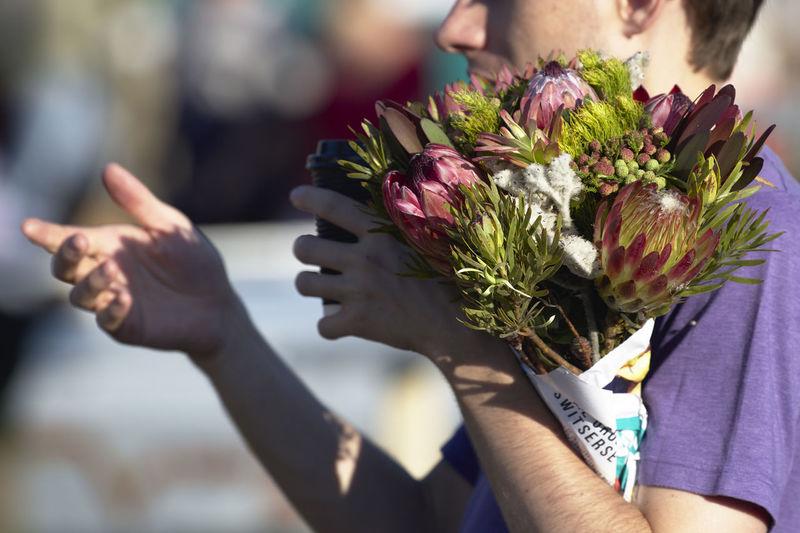Flower Holding