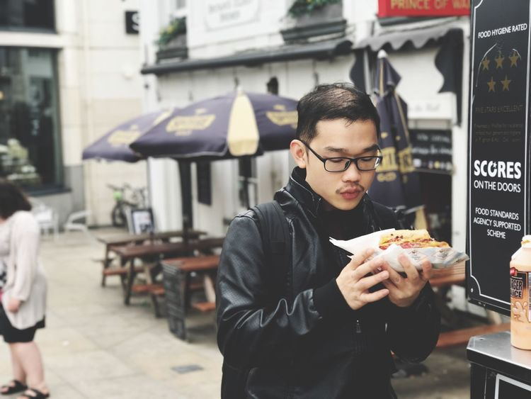 People Outdoors Food Take Out Food Food And Drink Unhealthy Eating Fast Food Young Adult City Life City Eating Real People One Person Lifestyles Young Women Day Freshness Adult Adults Only EyeEm LOST IN London