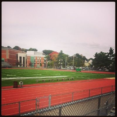 New day, same goal, we will se how long it last. Tuftsuniversity Somerville Boston Runningtrack