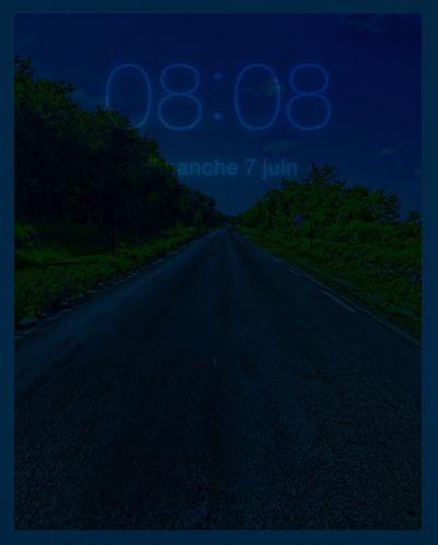 08H08 sur une route, vide de sens ! HEURE POLARIS Clock Time Heure Hello World Sur La Route On The Road
