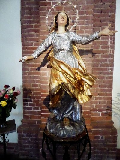 Italy🇮🇹 Moncalieri Church Statue Virgin Mary Mother Of God Mother Of Grace Colour Of Life, Details Of My Life Detailphotography Churchinventary Detail On The Way Old But Awesome Old Buildings Fine Art Photography Fine Art People Watching