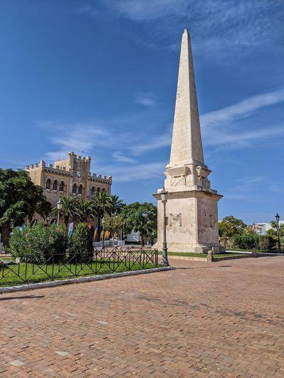 Obelisc, Placa