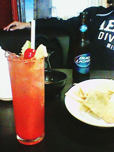 LosPalcosRestaurant&Bar Friend Relax Budlight #vampirosbebida