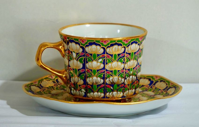 Benjarong Childhood Five Colored Indoors  No People Porcelain  Porcelain, Mosaic, Pieces, Broken, Design, Art, Decoration, Style, Vintage, Traditional, Creativity, Ceramic, Cracked, Rattanakosin Rattanakosin Period Thailand Traditional Traditional Culture