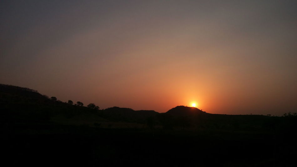 Took this pic while travelling by train.Sunrise Sky Travelling By Train Mountain Landscape Beauty In Nature Good Morning :) Wonderful View Morning View Morning Vibes