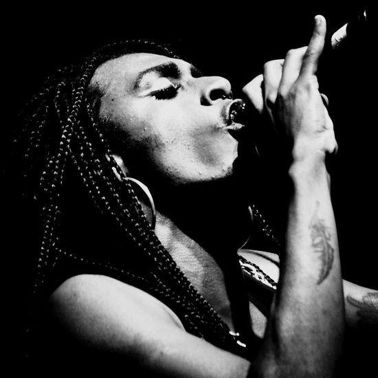 Liniker ❤️ Show Blackandwhite Blackandwhite Photography Singer