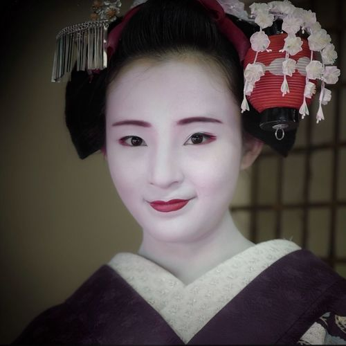 """Today's Maiko Marika : she says """"Smile is best"""" LEICA Q + Lightroom mobile for iPad ruff edit Japanese Girl Today's Hot Look One Shot Photography 京都市  祇園甲部 Maiko Smile Portrait One Person Headshot Looking At Camera Front View Young Adult Leisure Activity Close-up Teenager Smiling Beauty Beautiful Woman"""