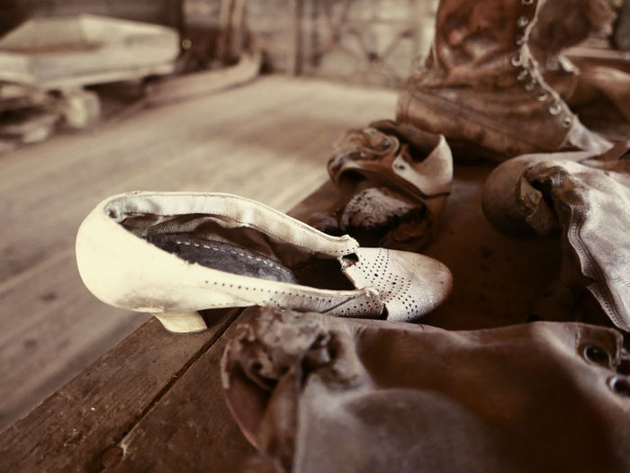 Abandoned Places Broken Shoes Shoemaker Abandoned Ghost Town Old Old Shoes Shoemaker's Workshop Shoes Urbanphotography