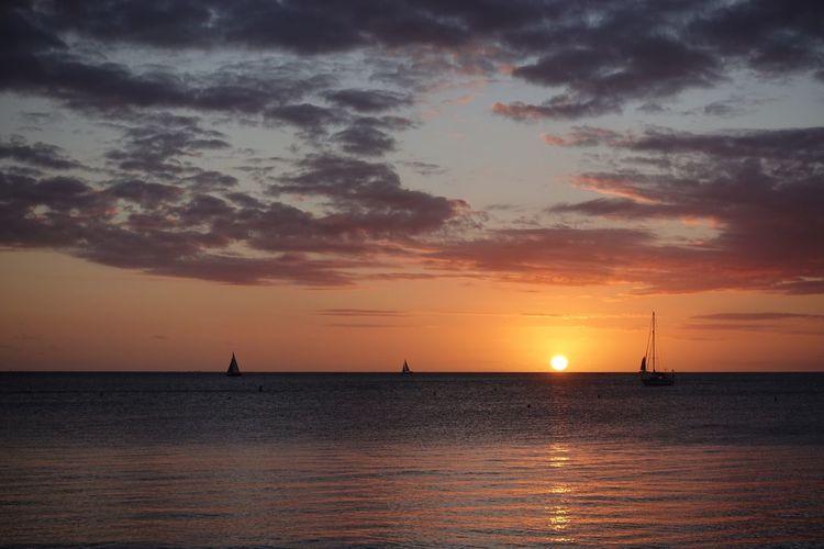 Horizon sunset in Nouméa, New Caledonia Melanesia Oceania New Caledonia Noumea Sky Sunset Water Sea Beauty In Nature Scenics - Nature Cloud - Sky Horizon Orange Color Sunlight Sun Outdoors Nature First Eyeem Photo EyeEmNewHere