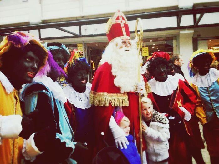 Zwartte Pieten En Sinterklaas In Hellevoetsluis 16-11-2013Sinterklaas In Hellevoetsluis