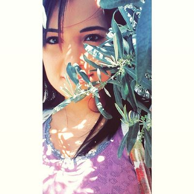 Bir zeytin dalı, bir çift göz yeter doydum😆👯