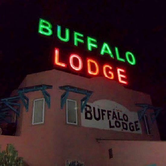 Signage Colorado Neon Nightshot Nostalgic  Buffalo Motel Lodge Royalsnappingartists Rsa_rurex Trailblazers_rurex Trb_whatsyoursign Manitou Rous_roadsigns Rsa_signs Old_neon Lodges MabitouSprings Nightspot