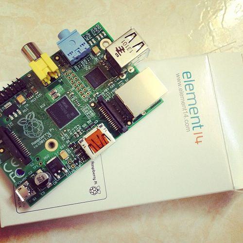 Uk Geek Raspberry Raspberrypi Element14 Raspbian