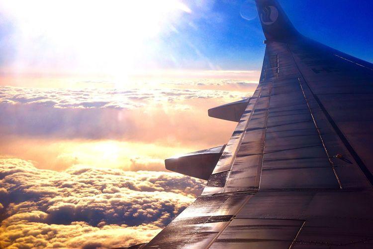 在云端 On The Plane Plane Sun And Clouds Blue Sky From My Point Of View Farawayfromhome Goodbye