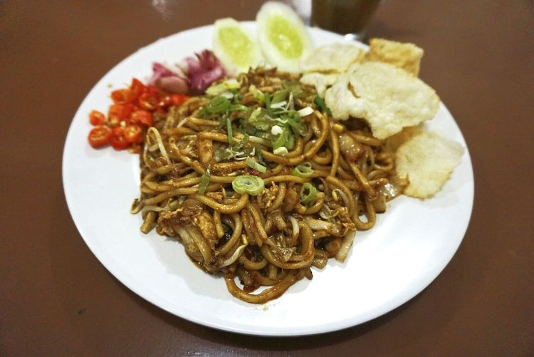 Mie Aceh ...traditional noodles from Aceh Indonesia INDONESIA Noodles Acehculture Aceh MieAceh Mie Aceh Kopi Aceh Food Photography Food Banda Aceh
