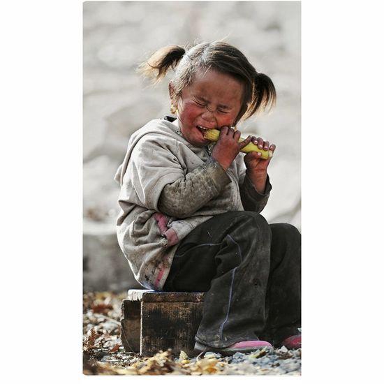 Cutegirl😊😊Struggling To Break The Sugar Nepalese Nepalipeople😊 💖💖👉👉📷📷@shrestika Photogallary Photocollection @shrestika📷 Countryside Country Life 💖💖💖💖💖