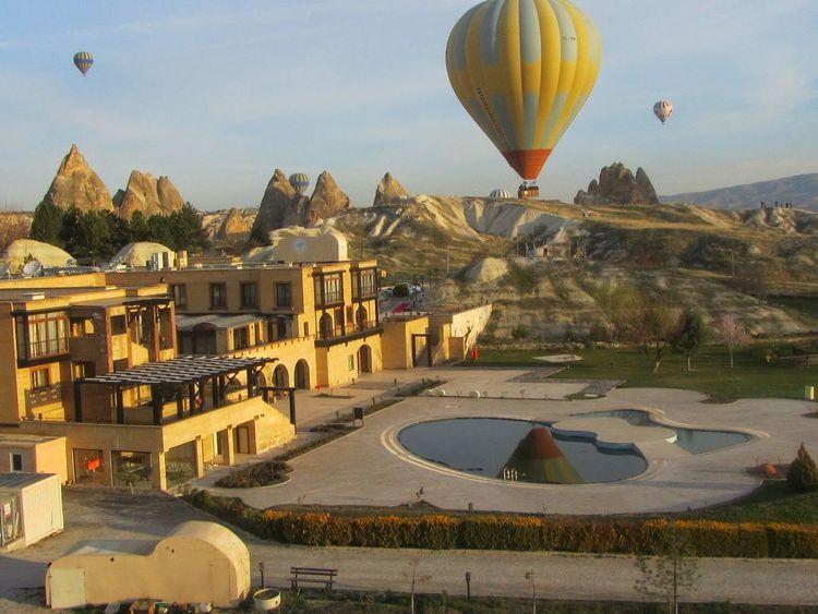 Baloon travel in the litle town of Goreme , Capadocia ,Turkey Perfect Moment Sky Balloon Tranquility Turkey Göreme Capadoccia Skyporn Calm Pool Mountains