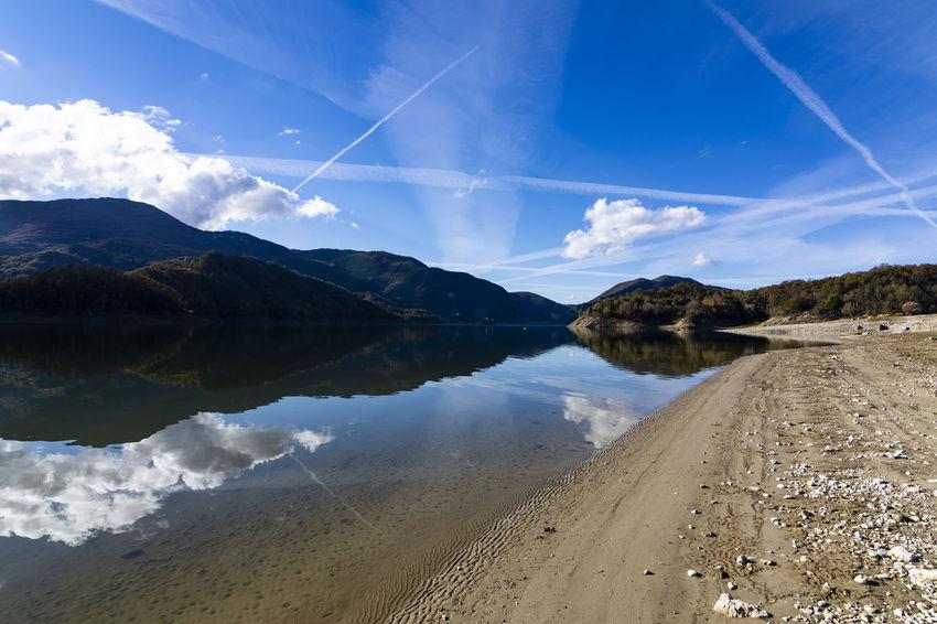 Lago Del Salto Nuvole Autunno  Autunno🍁🍁🍁 Autunno Autumn Colors Colori Landscape Paesaggio Riflessi Riflessi Sull'acqua
