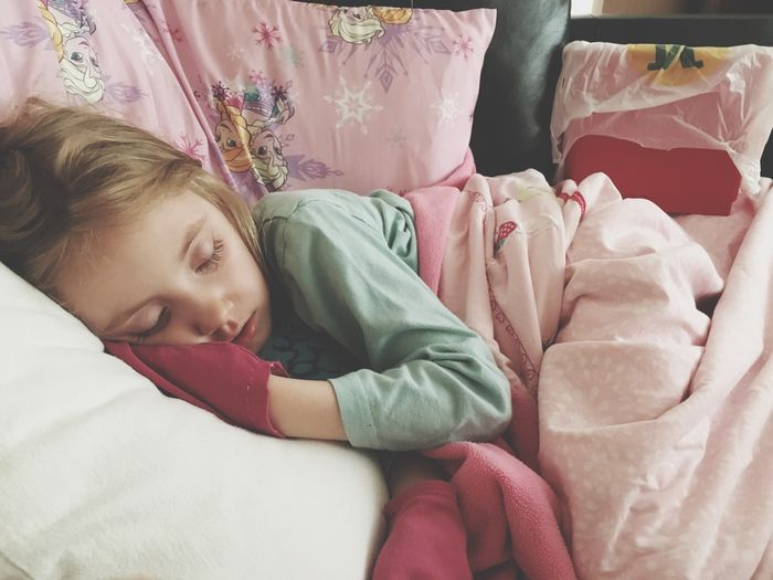 Night Night, Sleep Tight my baby girl fast asleep after sneaking into my bed at 2am ❤️ Sommergefühle