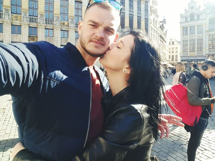 love Grote Markt City Capital Cities  Europe City Young Women Portrait Beautiful People Men Business Finance And Industry City Life City Street Street Elégance