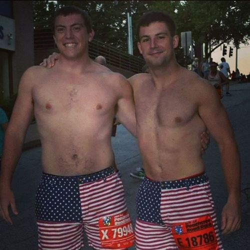 These colors don't run... except on the 4th of July. Then they run 10 kilometers through downtown Atlanta with 60,000 fellow Americans! Peachtree Chubbies