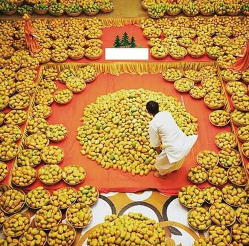 😍 king of fruits, The season is here again. Hello World Enjoying Summer Mangoes Deliciousness So Delicious TasteOfPerfection  Respect For The Good Taste Tastessogood Pakistanimango Made In Pakistan