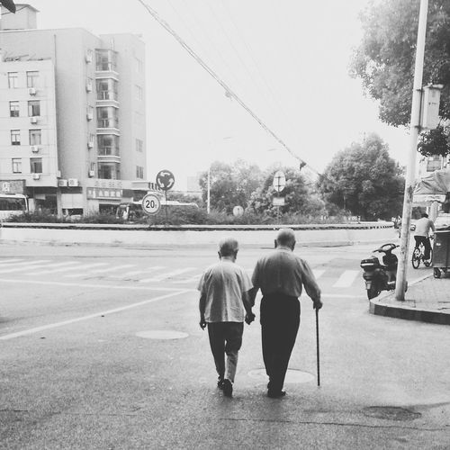 Two People Men People City Streetphotography Blackandwhite Taking Photos Black & White Pastel I Love My City Faces Of The World City Street Faces Of EyeEm Everyday Lives Everybodystreet Evrybody Street I Like My City EyeEmNewHere Eye4photography  Mirrorless People Together