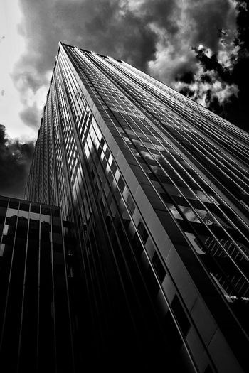 Perspectives Travel Photography New York Fujifilm Fuji Eyeem Philippines FujiX100T Fujifilmph X100t Fujifilm_xseries Blackandwhite Manhatan Mirrorless X100t Fujifilm 5th Ave Architecture_bw Architecture Taking Photos
