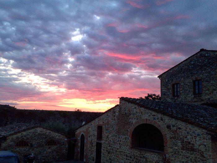 Alba a Monteriggioni - Toscana Monteriggioni Toscana Tuscany Italia Italy Sunrise Sun Cielo Sky Sky And Clouds Sky_collection EyeEm Best Shots EyeEm Gallery EyeEm Best Edits EyeEmBestPics EyeEm Best Shots - Landscape