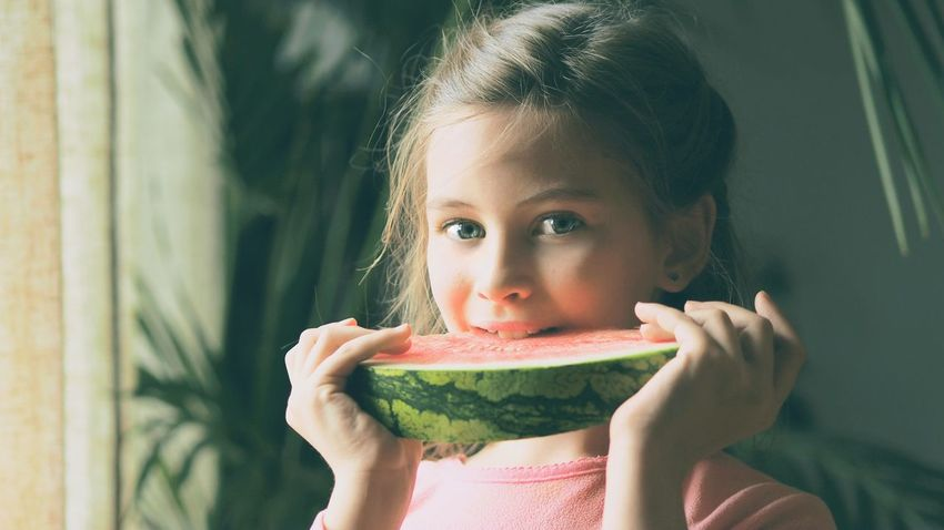 Pink & green II Healthy Eating Portrait Watermelon Fruit Healthy Lifestyle Looking At Camera One Person Eating People Front View Headshot Child Food Human Body Part Freshness Children Only Enjoyment Girls Grass Sunlight Springtime Art Is Everywhere Eyem Gallery Eyeemphoto Eyeem Photography
