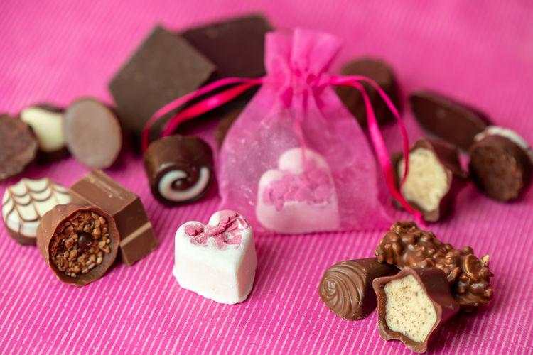 chocolate Chocolate Chocolates Choco Love Pink White Sweet Valentine's Day  Valentine Loveit Studio Shot Purple Close-up Sweet Food Hazelnut Purple Background Dark Chocolate