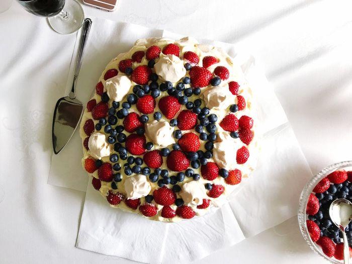 18 årsdag 🎉 Food And Drink Table Cake Homemade Fruit EyeEm