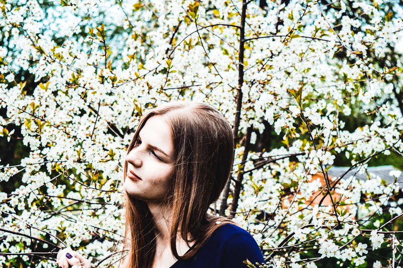 VSCO Vscocam Vscolithuania Nocrop Tumblr Bokeh Nature Naturephotography Colourful Nikon D3200 EyeEm Selects Nikonphotography Nikon Forest Photoshoot Girl Model Sunny Tree Young Women Flower Branch Beautiful Woman Beauty Headshot Eyes Closed  Springtime Close-up Cherry Tree Blossom