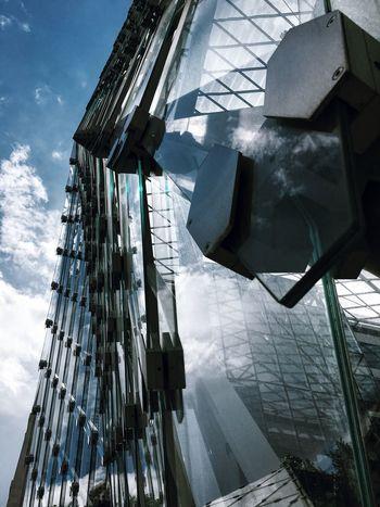 Urban Exploration Urban Fine Art The Week Of Eyeem Reflections Structure Beautiful ♥ Artistic Skyporn Clouds Metal