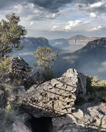 Grose Valley from Pulpit Rock Lookout, Blue Mountains, NSW, Australia #eyembestshot #EyeEmSelects #eyeemphotography #EyeEm Nature Lover #eye4photography # Photooftheday #mountains #hiking #NoFilter #photography #EyeEmNewHere #likeforlike #likemyphoto #qlikemyphotos #like4like #likemypic #likeback #ilikeback #10likes #50likes #100likes #20likes #likere #bluemountains #nsw #australia #sydney #pulpitrocklookout Water Sea Beach Sunlight Close-up Horizon Over Water