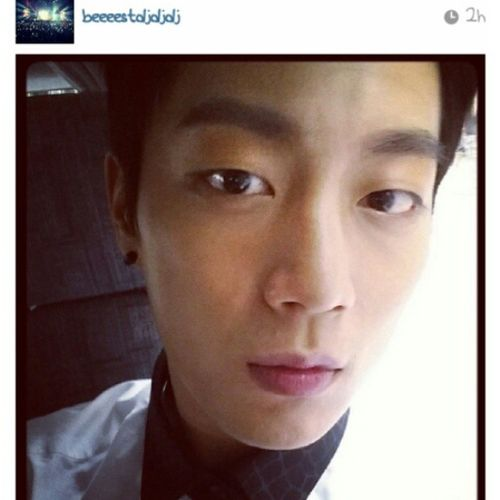 Babyyyyyyy finally have a solo selca for the 1st time at instagram kk thank u boyyyy!!! So excited in class sobs Beeeestdjdjdj Doostagram Yoondoojoon