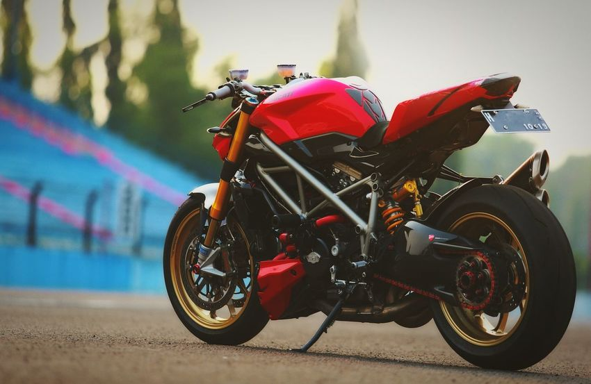 Ducati Monster Ducati Ducatistreetfighter Race Racer Racetrack Racebike Bigbike Indonesian Photographers Collection Circuit Mensfashion Menstyle