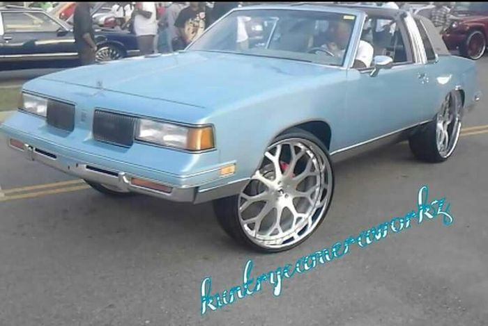 Oldschool Oldsmobile CutlassSupreme Cutlass Gbody Forgiato Carphotography Myview Autoshow Automobile #bigrims