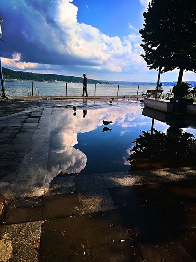 Sarıyer 🇹🇷 turkey's naturel phototurkey by AyhanMuratkan 👋 🇹🇷🙏 Phototurkey Nsturkei HDR Loveistanbul World Holiday #Hotel Travel #trip Travel ıstanbul İstanbul TURKEY Travel Reflection People Beauty In Nature Scenics Silhouette One Person Real People Only Men Outdoors Men Water Adults Only Cloud - Sky Sky Nature Day Adult