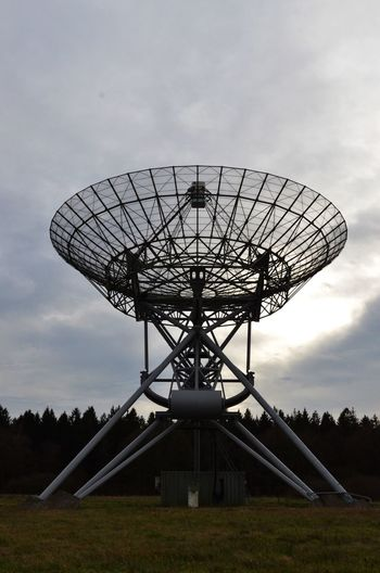 Radiotelescope Radioastronomy Science Equipment Space Exploration Radiotelescope Sky Satellite Dish Satellite Global Communications Technology Nature Built Structure Space Telecommunications Equipment Architecture Low Angle View Wireless Technology