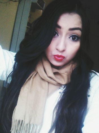 Me Beso Besito💋 Lips Red Lipstick Lips #love #smile #pink #cute #pretty Guapa Long Hair Black Hair