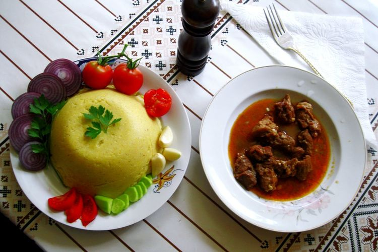 Food Porn Awards Mămăligă-Romanian traditional food. A little part of romanian gastronomy . Poftă bună! Bon appetite! Proud To Be Romanian Romanian Tradition Healthy Food Healthylife Healtyfoodshare Myworldoffood