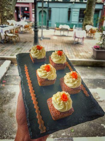 Carottes cakes 😋🤗 Pastry Pastrychef Cake Carottecake Food And Drink Sweet Food Food Indulgence Temptation Dessert Food Stories Fruit Cake SLICE