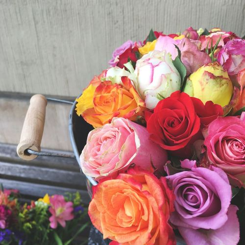 Ein Strauß gute Laune 💐 Flower Bunch Of Flowers Bouquet Flower Arrangement Roses Colourful