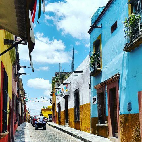 EyeEm Mexico San Miguel De Allende Perspective Color Magicplace Viva Mexico Turisteando Streetphotography