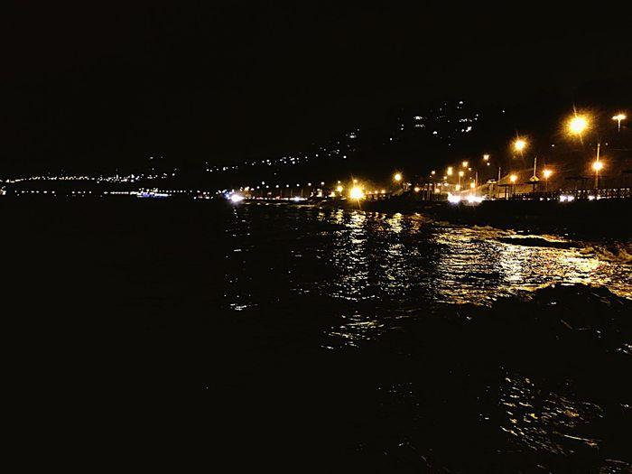 El mejor lugar para escapar ✋🏼 Night Reflection Water Outdoors Cars Lights Costa Verde Lima Perú