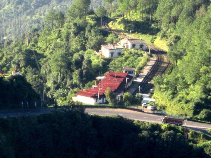 Toy train track