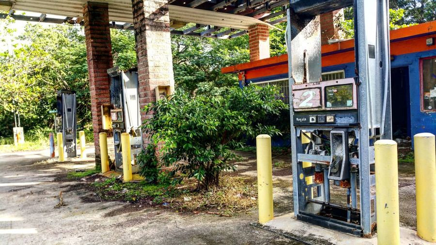 Puerto Rico No People Outdoors Day Built Structure Architecture Plant Nature Fuel Pump City EyeEM Photos EyeEm Gallery