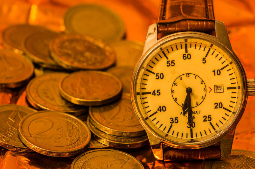 Zeit ist Geld Creativity Creative Creative Photography Nikon D7200 Time Close-up Still Life Clock Clock Hand Number Zeit Uhr Uhrzeit Finance Indoors  EyeEm Gallery Euro Ziffernblatt Shape Instrument Of Time Large Group Of Objects Focus On Foreground Instrument Of Measurement Communication 12 O'clock Number 12 Money