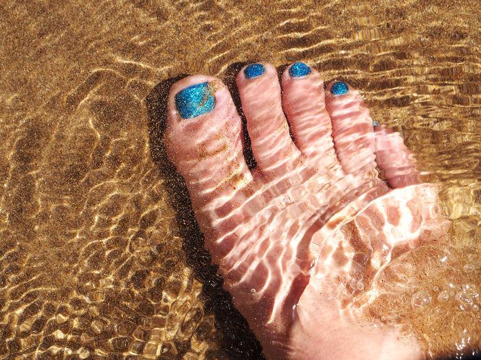 Barefoot Beach Close-up Day High Angle View Human Body Part Human Leg Indoors  Lifestyles Nai Polish Nail Polish One Person People Real People Sand